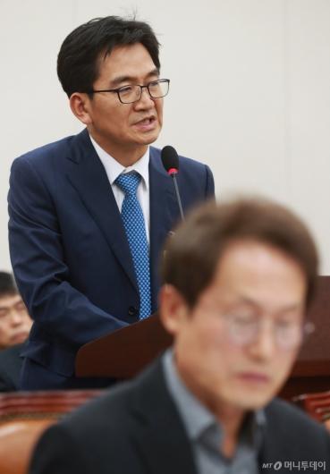[사진]'리더스 유치원 비리' 관련 답변하는 이덕선 한유총 비대위원장