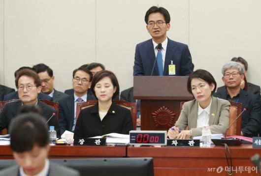 [사진]'리더스유치원 비리' 답변하는 이덕선 한유총 비대위원장