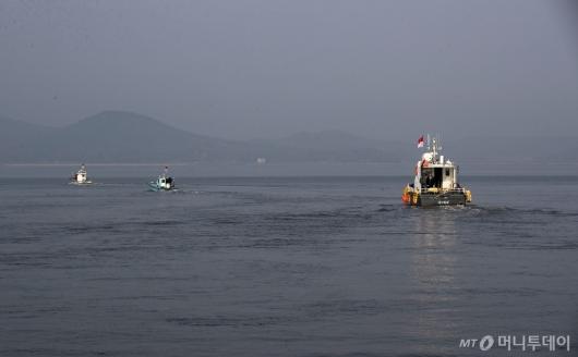 [사진]남북 공동한강하구수로 조사