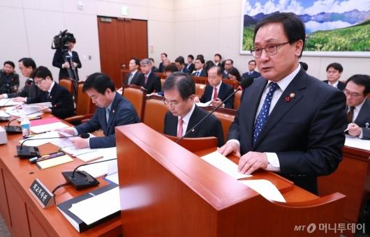 [사진]남북경협특위 참석한 유영민 과기부 장관