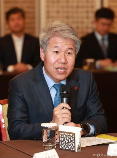 [사진]고위당정청 참석한 김수현 청와대 정책실장