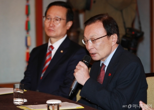 [사진]고위당정청 모두발언하는 이해찬 대표