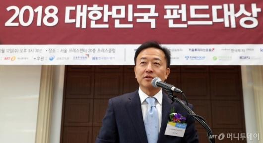 [사진]심사평하는 박영규 교수
