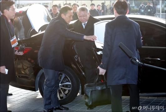 [사진]검찰 도착한 양승태 전 대법원장
