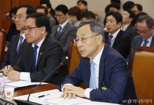 [사진]활창규 KT 회장, '아현지사 화재' 국회 과방위 출석