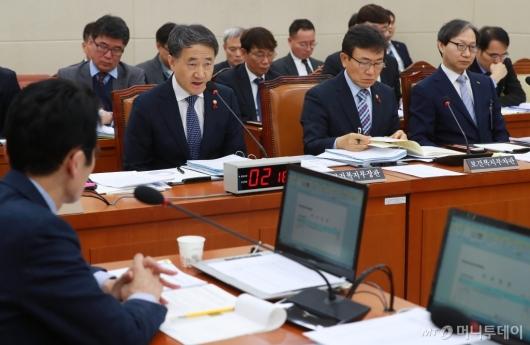 [사진]'국민연금 현안보고' 보건복지위 전체회의
