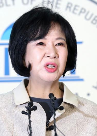 [사진]부동산 투기 의혹 손혜원, 더불어민주당 '탈당'