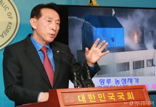 [사진]김석기 '용산참사는 시위대 탓...광우병 촛불도 조사해야'