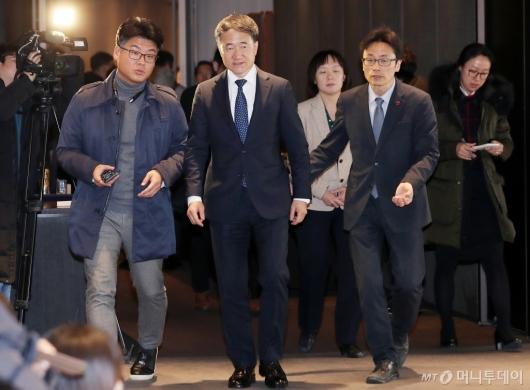[사진]제2차 기금운용위원회 마친 박능후 장관