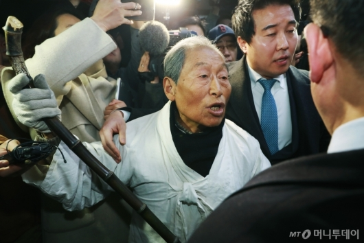 [사진]'우리는 북한군이 아니다'