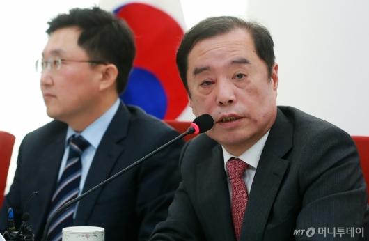 [사진]5.18 망언 사과하는 김병준
