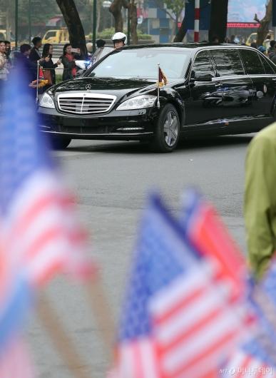 [사진]'트럼프 만나러 가는 길'
