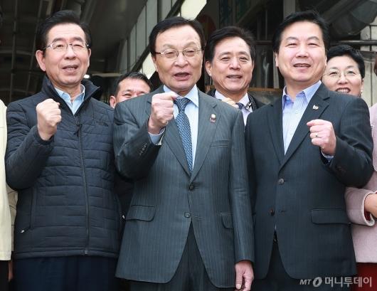 [사진]박원순-이해찬-홍종학 '제로페이 활성화를 위해'