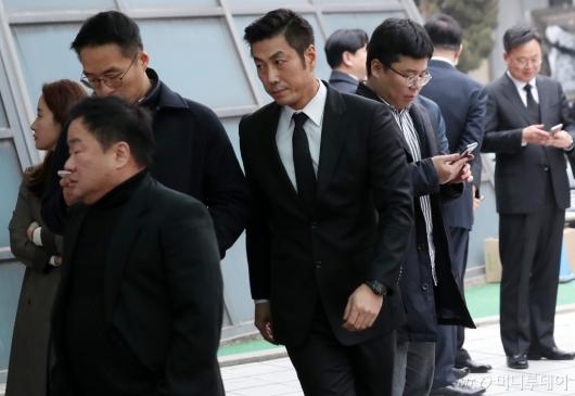 [사진]빈소 찾은 배우 윤태영