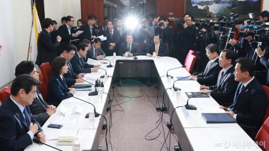 [사진]자한당 북핵외교안보특위-방미단 연석회의 개최