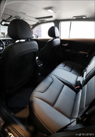 [사진]뒷좌석도 넓은 '더 뉴 니로'