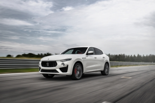 [시승기]마세라티 르반떼 GTS, 'V8 심장'단 명품 SUV