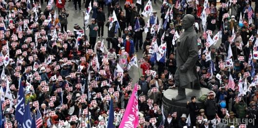 [사진]박 전 대통령 무죄 석방 촉구 집회