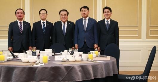 [사진]국회의장-원내대표 오찬 회동...자유한국당은 불참