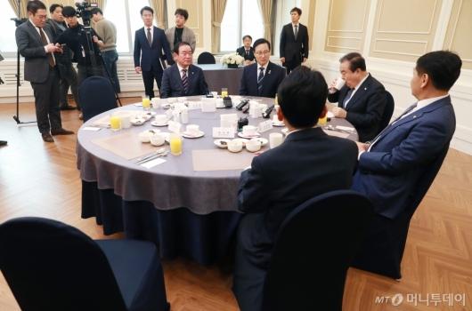 [사진]국회의장-원내대표 오찬 회동