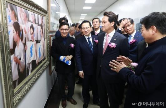 [사진]국회 문체위 남북미술전 개막