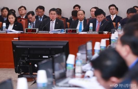 [사진]'LPG 사업법 개정안' 산자중기위 전체회의 개최