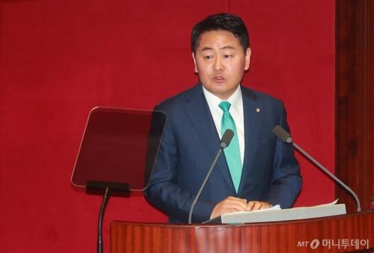 [사진]교섭단체 대표연설하는 김관영