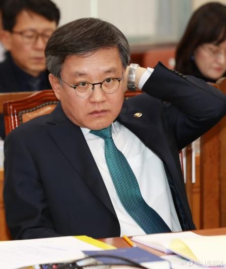 [사진]인사청문회 나온 김창보 중앙선관위원 후보자