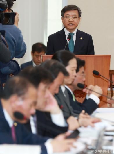 [사진]모두발언하는 김창보 중앙선관위원 후보자