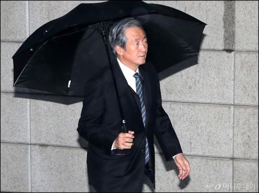 [사진]정몽준 이사장, '정주영 명예회장 제사 참석'