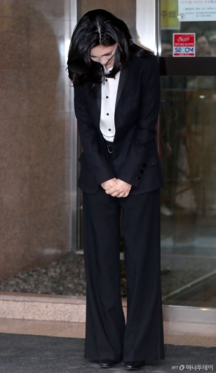 [사진]고개 숙여 인사하는 이부진 사장