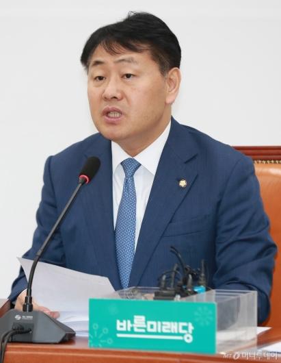 [사진]모두발언하는 김관영 바미당 원내대표