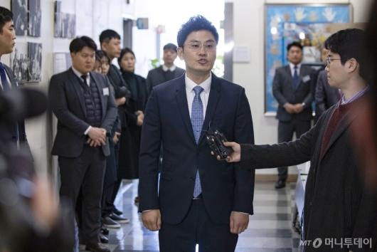 [사진]답변하는 양민석 YG 대표