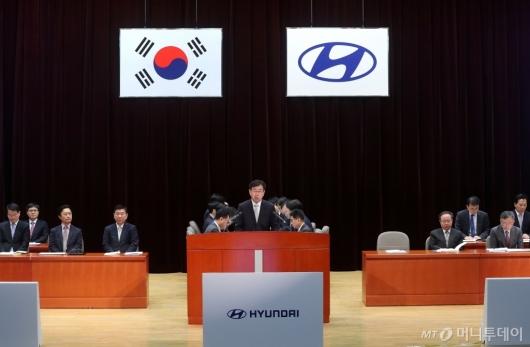 [사진]인사말하는 이원희 사장