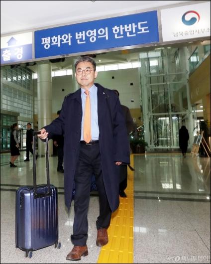 [사진]개성 향하는 김창수 부소장
