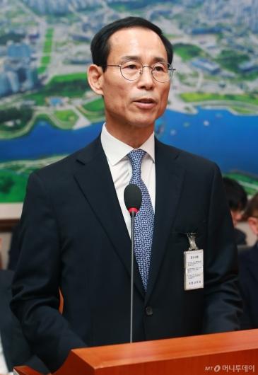 [사진]모두발언하는 최정호 국토교통부 장관 후보자