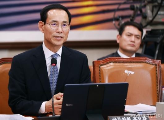 [사진]답변하는 최정호 국토부 장관 후보자