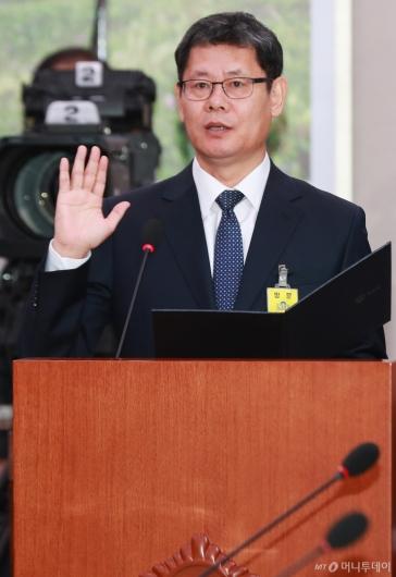 [사진]검증대 선 김연철 통일부 장관 후보자