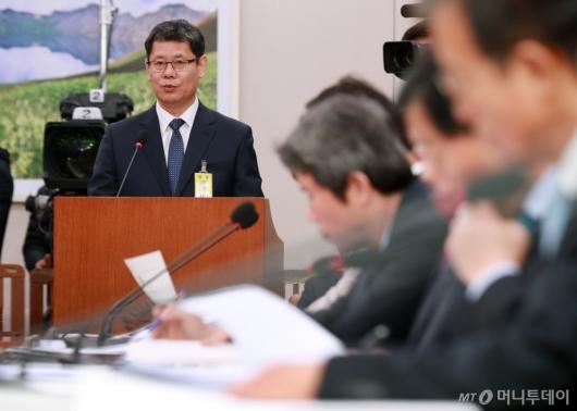 [사진]모두발언하는 김연철 통일부장관 후보자