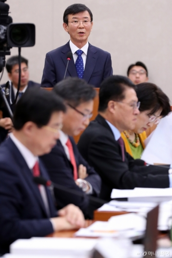 [사진]모두발언하는 문성혁 해수부 장관 후보자