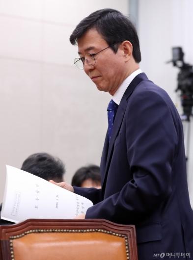 [사진]인사청문회 검증대 오른 문성혁 해수부 장관 후보자