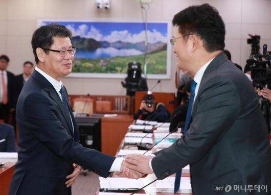 [사진]인사청문회 출석한 김연철 통일부장관 후보자