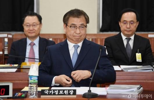 [사진]정보위 출석한 서훈 국정원장