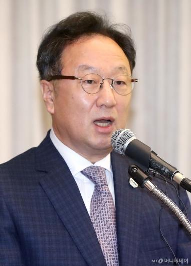 [사진]이우석 대표, 인보사 판매중단 사과문 발표