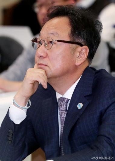 [사진]인보사 판매중단 관련 기자회견 참석한 이우석 대표