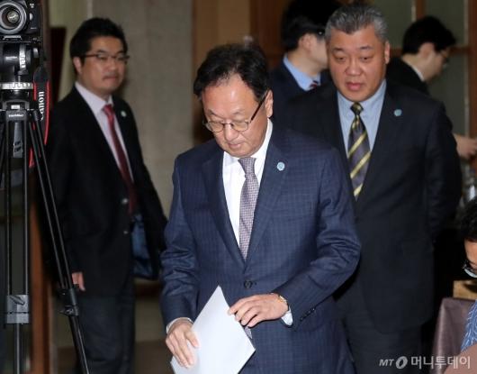 [사진]이우석 대표, 인보사 판매중단 관련 기자회견 참석
