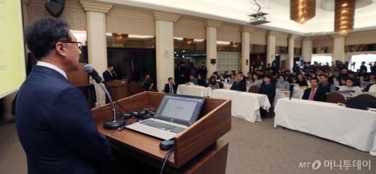 [사진]인보사 판매중단 사과문 발표하는 이우석 대표