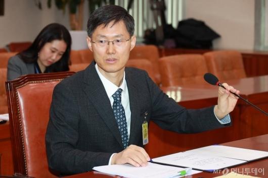 [사진]인사청문회 출석한 문형배 헌법재판관 후보자