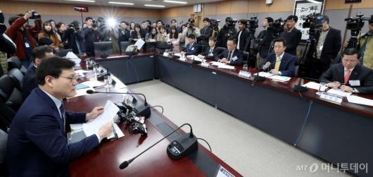 [사진]카드사 대표들과 간담회 갖는 최종구 위원장
