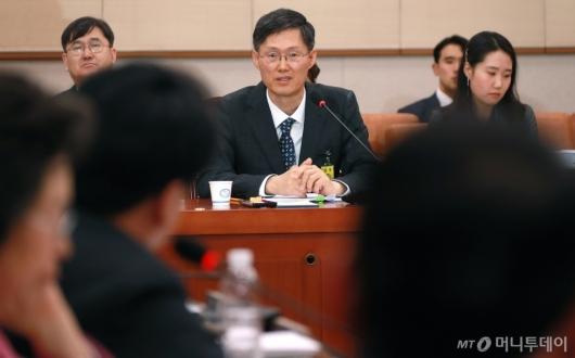 [사진]답변하는 문형배 헌법재판관 후보자